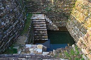 삼국시대부터 이어져온 산성건축의 흔적, 공주 공산성 연지