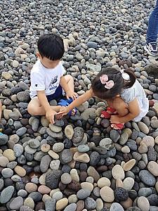 도심과 가까운 몽돌해변, 제주 알작지해변