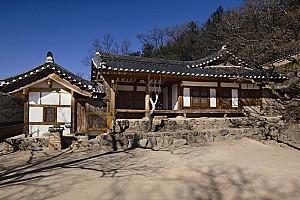 한양지방 민가의 영향을 받은 안채가 독특한 양동 상춘헌 고택