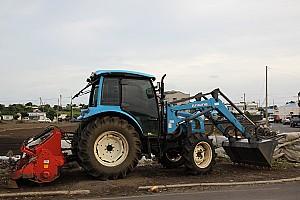 농촌 생활의 동반자 트랙터