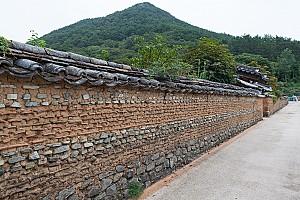 전통 한옥에 일식 요소가 가미된 경남 고성 박진사 고가