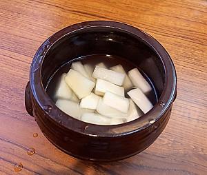 겨울철 물에 담가 먹는 김치, 동치미