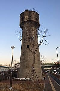 근대 철도의 역사를 간직한, 수원역 급수탑