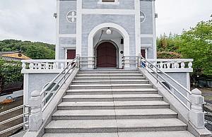 한옥 성당과 고딕 성당이 나란히, 진주 문산성당