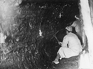 석탄을 직접 캐는 채탄 작업