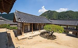 한국 건축의 백미, 안동 병산서원 만대루