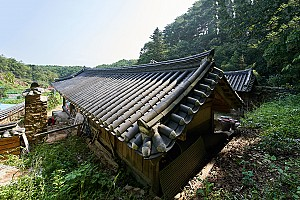 H자형의 평면 구조를 지닌 양양 김택준 가옥