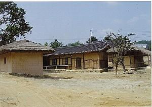 영주댐 건설로 수몰직전 살아난 까치구멍집 영주 금광리 장석우 가옥