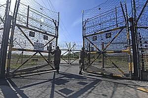 갈라진 길, 이어질 길 DMZ 평화의 길과 생태평화공원