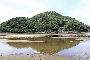 처마의 빗물이 강물에 바로 떨어지는, 합천 함벽루