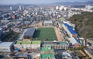 """""""북 오산, 남 고창""""의 민족 교육 – 고창 구 고창고등보통학교 강당"""