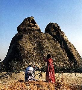 자녀를 얻고 싶을 때 기도하는 인왕산 선바위