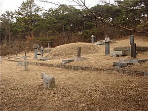 나는 고려를 버릴 수 없나이다, 광주 범세동 묘지