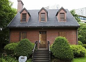 그림 속에서 튀어 나온 집, 용인 장욱진 가옥