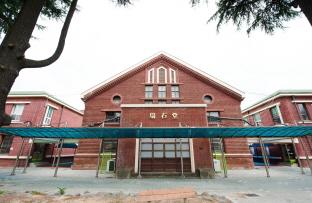 """""""학교 다녀오겠습니다!"""", 광주 서석초등학교 본관·별관·체육관"""