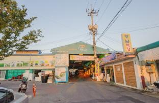 조선시대 개설된 고창읍내장을 계승한 고창상설시장