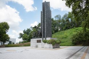 유엔군 초전기념비